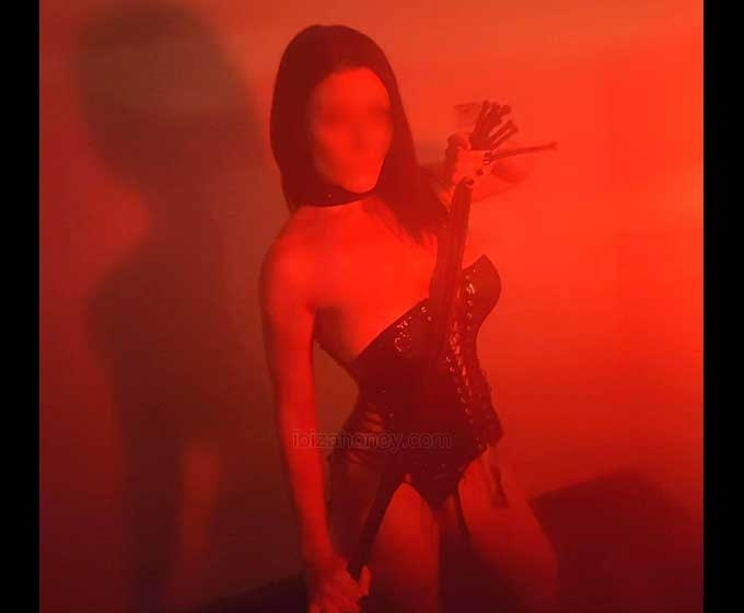 escorts en ibiza Nina Dominatrix